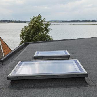 VELUX platdakraam met dakopstand type CFP met vlak glas 60x60 cm