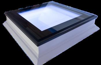 Intura platdakraam met led verlichting en hoge isolatie waarde 140x140 cm.